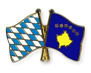 Freundschaftspins Bayern-Kosovo