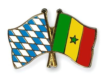Freundschaftspins Bayern-Senegal