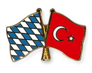 Freundschaftspins Bayern-Türkei
