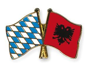 Freundschaftspins Bayern-Albanien