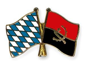 Freundschaftspins Bayern-Angola