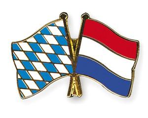 Freundschaftspins Bayern-Niederlande