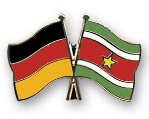 Freundschaftspins Deutschland-Surinam