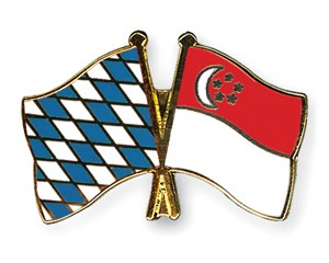 Freundschaftspins Bayern-Singapur