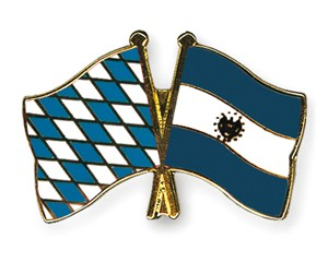 Freundschaftspins Bayern-El Salvador