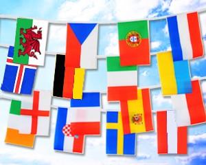 Flaggen-Kette groß: 24 EM 2020-Teilnehmerländer 12,80 m
